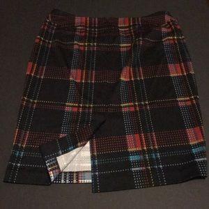 Evan Picone Skirts - Evan Picone graphic poly-elastic pencil skirt